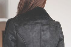 [먼데인 레더 스커트] Leather Jacket, Park, Jackets, Fashion, Studded Leather Jacket, Down Jackets, Leather Jackets, Moda, La Mode