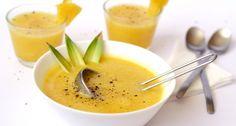 Hideg ananászleves recept főzés nélkül: Nyárra ideális hűsítő lehet ez a kiváló ananászleves. Vitamintartalmából sem veszít semmit, hiszen nem tesszük ki semmilyen hőhatásnak az ananászt! :) Fruits And Vegetables, Cantaloupe, Panna Cotta, Paleo, Dishes, Ethnic Recipes, Chowders, Soups, Food