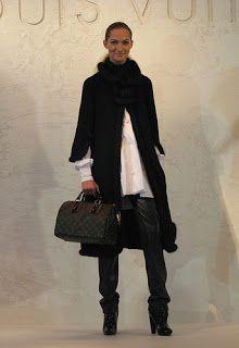 Louis Vuitton Handbags Neverfull MM Brown Shoulder Bags Louis Vuitton Sale For Cheap,Designer handbags For OFF! Louis Vuitton Online Store, Louis Vuitton Sale, Louis Vuitton Neverfull Mm, Louis Vuitton Speedy, Louis Vuitton Handbags, Vuitton Bag, Cheap Handbags, Cheap Bags, Handbags On Sale