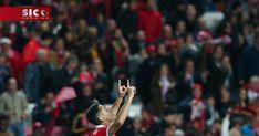 O Benfica empatou esta quarta-feira 2-2- frente ao Portimonense, no Estádio da Luz. Os encarnados somam dois pontos no Grupo A e ficam agora dependentes do resultado do jogo entre o Vitória de Setúbal e o Sporting de Braga, que se realiza na sexta-feira. Em caso de vitória dos sadinos, o Benfica fica eliminado da Taça da Liga.... http://sicnoticias.sapo.pt/desporto/2017-12-20-Benfica-empata-e-complica-apuramento-para-as-meias-da-Taca-da-Liga