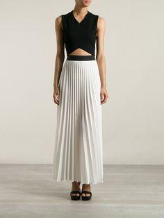 jupe longue plisse de couleur blanc top noir femme
