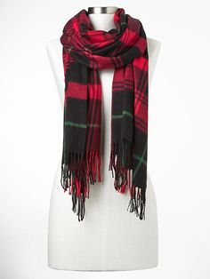 Cozy plaid scarf Product Image