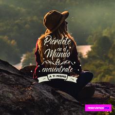 Frases de viajeros- Piérdete en el mundo y encuéntrate a tí mismo #viajeros #traveller #quote #viajar