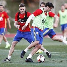 """48.7k Likes, 136 Comments - Álvaro Morata (@alvaromorata) on Instagram: """"Primer entrenamiento con la @sefutbol ⚽️🇪🇸vamooos!!"""""""