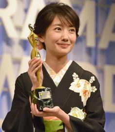 画像・写真|『東京ドラマアウォード2016』で3冠を獲得した『あさが来た』主演の波瑠(C)ORICONNewSinc. 10枚目