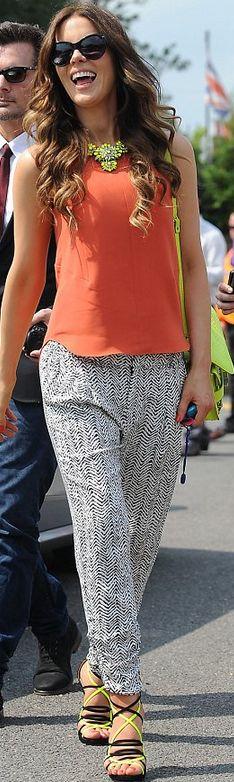 Kate Beckinsale: Sunglasses – Oliver Goldsmith Manhattan  Pants- Parker  Purse – Proenza Schouler  Shoes – Jimmy Choo