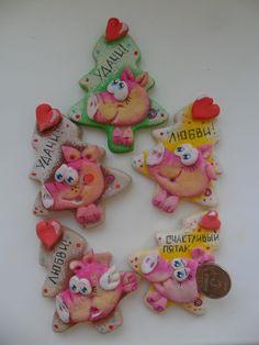 Солёное тесто с Ириной Ханановой Holiday Crafts, Holiday Decor, Pig Art, Salt Dough, Cold Porcelain, Creative Gifts, Cookie Decorating, Art Dolls, Diy And Crafts