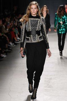 Теперь вживую: показ Balmain x H&M в Нью-Йорке | Мода | Новости | VOGUE