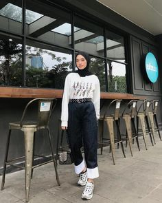 Inspiration Hijab Style Outfit of The Day (OOTD) 2020 Remaja Indonesia.Inspiration Hijab Style Outfit of The Day (OOTD) 2020 Remaja Indonesia Positif, Kreatif & Ceria 😍😘😘😘😘 . Hijab Fashion Summer, Modern Hijab Fashion, Street Hijab Fashion, Hijab Fashion Inspiration, Muslim Fashion, Aesthetic Fashion, Korean Fashion, Fashion Outfits, Casual Hijab Outfit