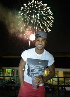 Trey songz enjoying himself with tht outstanding smile he do got