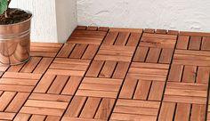 Holzfliesen für Balkon und Terrasse wie z. B. RUNNEN Bodenrost/außen, dunkelgrau