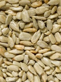 What is a recipe to roast sunflower seeds at home?