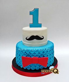 torta mostacho. cake mostacho. mr.ponQ