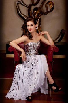 ignited Photography - Stylized Fashion - Kait Wright Stylist - Model: Allison - Strobe Lighting - Orchestra Hall in Detroit