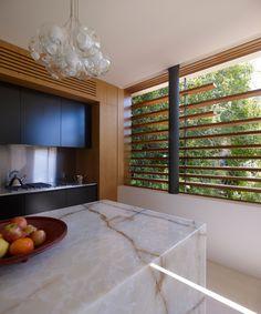 Fox Johnston Architects -Chinaman's Beach House Photos by: Brett Boardman