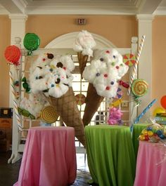 Great Backdrop/Set for an Ice Cream or Candyland Themed Party. Great Backdrop/Set for an Ice Cream or Candyland Themed Party. Decoration Evenementielle, Candy Decorations, Ice Cream Decorations, Office Decorations, Decor Ideas, Ice Cream Theme, Ice Cream Party, Giant Ice Cream, Candy Land Theme