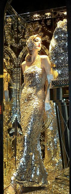 Mirror Scales - A Bergdorf Goodman Christmas window display. THIS IS MY FAVORITE! WOW! GLAM!