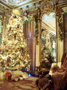Christmas - Glamour and Traditional: Christmas - traditional - Victoria Mansion Portland, ME