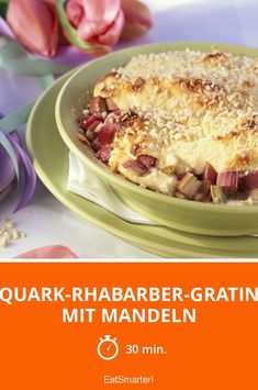 Quark-Rhabarber-Gratin mit Mandeln - einfaches Gericht - Eine Rezeptidee von EAT SMARTER   Auflauf, Ofengerichte, Frühlingsrezepte, Dessert, Süssspeise #obst #rezepte