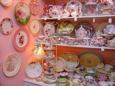 Home Decor & Accents - Antiques, Vintage Clothing & Antique Furniture