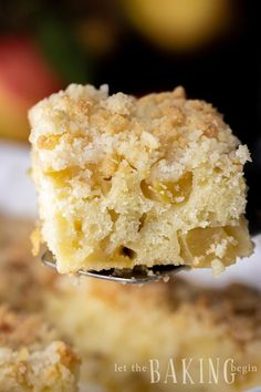 Apple Coffee Cake with Streusel Topping is a moist cake made with fresh apples and a delicious crumb topping. Apple Dessert Recipes, Fruit Recipes, Apple Recipes, Easy Desserts, Delicious Desserts, Cake Recipes, Yummy Food, Brunch Recipes, Breakfast Recipes
