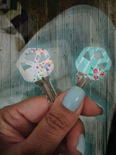 Llaves decoradas con esmalte de uñas