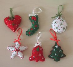 Easy Christmas Ornaments, Christmas Fabric, Homemade Christmas, Christmas Thoughts, Christmas Makes, Christmas Art, Craft Stick Crafts, Felt Crafts, Holiday Crafts