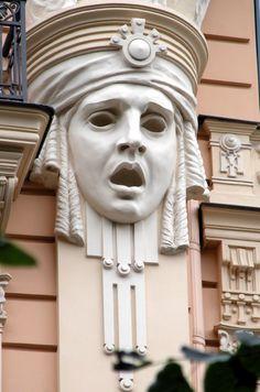 Art Nouveau head of a woman in Riga, Latvia (except this is really Art Deco) Design Art Nouveau, Art Design, 2020 Design, Art Sculpture, Sculptures, Art Nouveau Arquitectura, Architecture Art Nouveau, Jugendstil Design, Architectural Elements