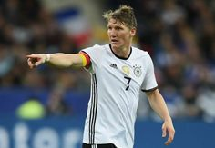 Schweinsteiger injured on Germany duty as Ozil misses training