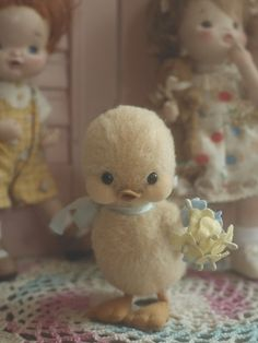.vintage kitsch cute little duckling reminds me of the one in tom and jerry who is always looking for his mummy