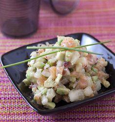 Tartare de saumon à la pêche et à l'avocat, la recette d'Ôdélices : retrouvez les ingrédients, la préparation, des recettes similaires et des photos qui donnent envie !
