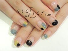 nail snap 角丸フレンチ   古場 聡子   26 SEP. 2013   LIM   LESS IS MORE