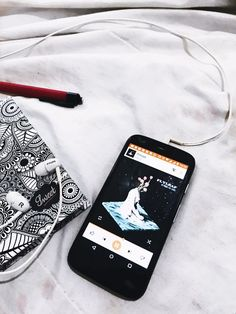 Details #tumblr #tumblrgirl #girl #pinkgirl #pinkhair #lovepink #allpink #cabelocolorido #garotatumblr #instagram #photo #photography #instacool #instagrammer #nature #happy #cabelorosa #garotatumblr #details #white #whiteinstagram #feedinstagram