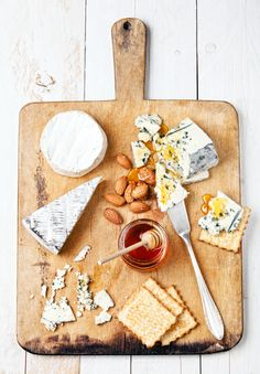 Sweet & nutty accompaniments balance the saltiness of blue cheese.