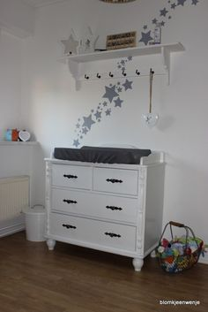 Nursery : why can't I find a changing table like this in dark cherry? Star Nursery, Everything Baby, Having A Baby, Future Baby, Plank, Baby Love, Baby Gifts, Kids Room, Shelves