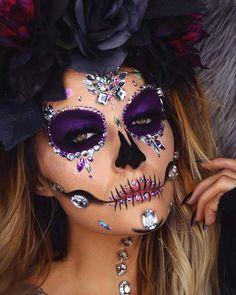 23 Sugar Skull Makeup Ideas for Halloween Halloween Makeup Sugar Skull, Sugar Skull Costume, Amazing Halloween Makeup, Halloween Eyes, Halloween Looks, Leopard Halloween, Halloween Spider, Candy Skull Makeup, Sugar Skull Makeup Tutorial