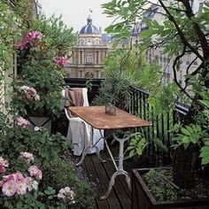Winterizing a Garden that's On Your Balcony – The Gardening Spot Small Balcony Garden, Porch And Balcony, Balcony Plants, Rooftop Garden, Garden Spaces, Pergola Shade, Diy Pergola, Pergola Kits, Small Gardens