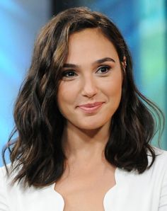 7 Makeup Tips We Learned from Gal Gadot (a.k.a. Wonder Woman) #RueNow