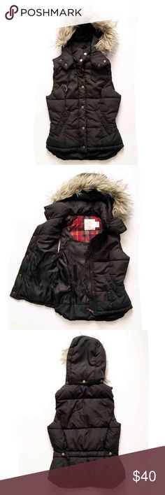 Weekend SaleH&M puffy vest Super adorable puffer vest. Worn maybe two times for one season- goes with so many outfits! Practically new. Price is firm H&M Jackets & Coats Vests