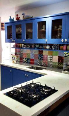 cozinha-colorida-pequena