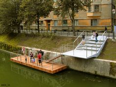 Preureditve nabrežij in mostovi na Ljubljanici BORIS PODRECCA, ATELIERARHITEKTI, BB ARHITEKTI, ATELJE VOZLIC, DANS ARHITEKTI, TRIJE ARHITEKTI, MEDPROSTOR, URBI