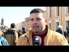 Δεκάδες χιλιάδες άνθρωποι απο όλο τον κόσμο συγκεντρώθηκαν στην πλατεία του Αγίου Πέτρου για να αποχαιρετήσουν τον Παπα Βενέδικτο.      Σύμφωνα με το Βατικανό περισσότεροι απο 150.000 προσκυνητές παρακολούθησαν την τελευταία ακρόαση του 85 χρόνου Ποντίφικα.     «Είμαι βαθιά συγκινημένος. Αρχικά νιώσαμε απογοήτευση, τώρα όμως ...