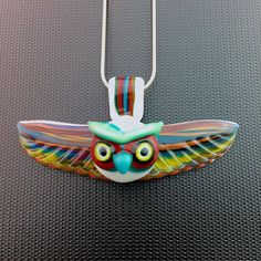 Auction reminder!  Bid on this pendant collab with @prairiepipes over at the original auction post a few back.  Auction ends today so don't miss out!  #prairiepipes #tripleaglass #glassofig #glassart #pendant #owlspirit #owl #pendantsofig #spiritanimal #coogi #coogisweater