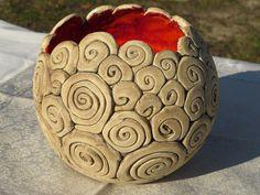 Keramikschale Keramik Deko Schale rot braun Die Keramik Deko Schale wurde von mir von Hand gearbeitet. Die Keramikschale kann als Tischdeko oder Krimskramsschale genutzt werden. Sie ist von innen...