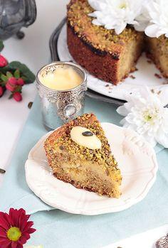 Délices d'Orient: Pistachio Cake with Lemon Curd