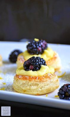 The cutest little pastry puff encases my incredibly easy-to-make Luscious Lemon Curd topped off with a sweet and juicy blackberry. Lemon Recipes, Tart Recipes, Sweet Recipes, Cooking Recipes, Dessert Simple, Dessert Recipes, Dessert Restaurant, Impressive Desserts, Crack Crackers