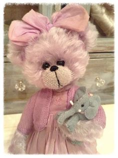 Milly ~ by Shaz Bears  _____________________________ Reposted by Dr. Veronica Lee, DNP (Depew/Buffalo, NY, US)