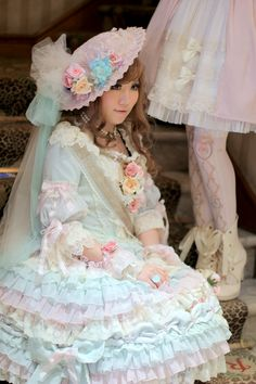 Classic Lolita all done up with pastels. So inspiring for on trend styling for 2014.