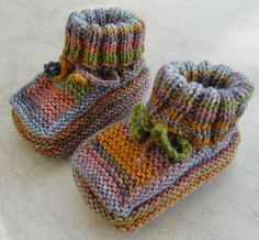 Nicoles Babyschuhe pattern by Nicole Luck Knitted Hats Kids, Knitting For Kids, Baby Knitting, Knit Baby Booties, Ravelry, Knit Crochet, Booty, Crafts, Search