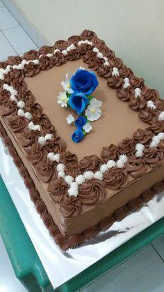 Cake Decorating Piping, Cake Decorating Designs, Cake Designs, Big Cakes, Fancy Cakes, Funeral Cake, Pastel Rectangular, Flower Cake Decorations, Brithday Cake